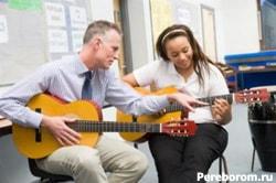 В музыкальной школе мне сказали учиться как правша