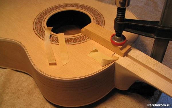Вклеенный гриф гитары 1